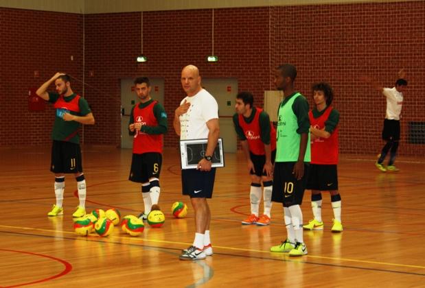 Treino da Seleção Universitária de Futsal masculina em Faro_1