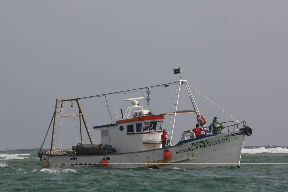 Embarcação Manuel Francisco, que auxiliou o barco naufragado