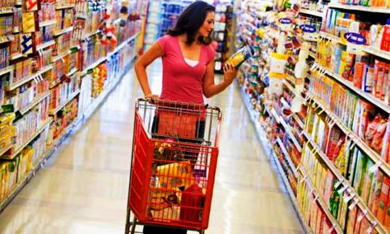 mulher-no-supermercado-14266