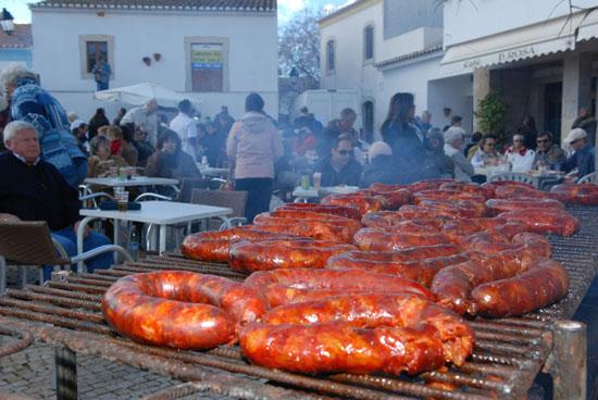 Фестиваль колбасы в Португалии