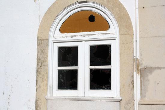 Vandalismo-em-Olhão_6