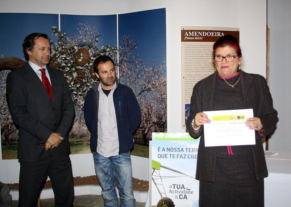 Margarida Vieira a receber o prémio do Valores do Território 2014