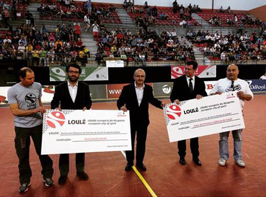Receitas dos jogos reverteram para instituições de solidariedade social do concelho: Associação Existir e a Casa da Primeira Infância de Loulé