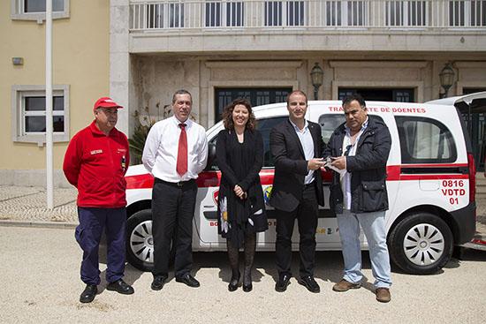 CM dá viatura aos bombeiros de Vila do Bispo