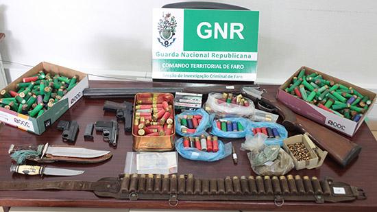 Apreensão armamento NIAVE GNR
