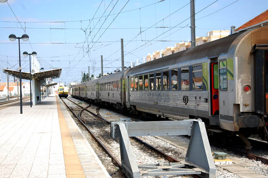 Linha férrea_comboio_faro_4
