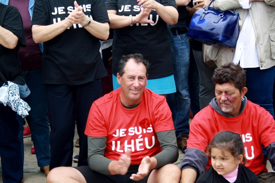 Protesto anti demolições_Farol 25 de Abril 2015