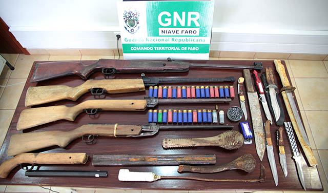GNR apreende armas a mãe e filho em Loulé
