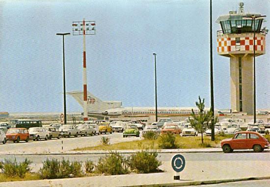 Postal ilustrado do Aeroporto de Faro