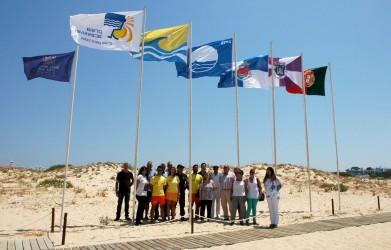 Hastear da Bandeira Azul nas Praias do Concelho de Loulé - C.M.Loule - Mira (2)