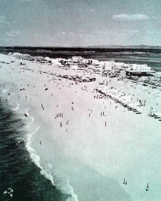 Praia de Faro em 1965 (Fonte - O Algarve, de Jorge Felner da Costa)