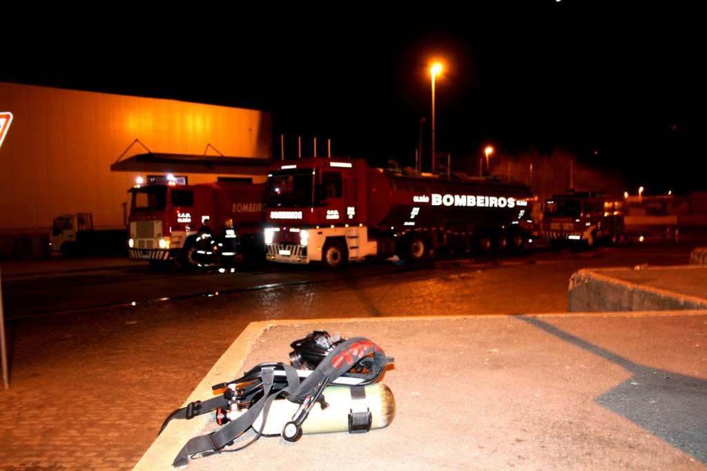 Combate a fuga de amoníaco no Porto de Olhão_1
