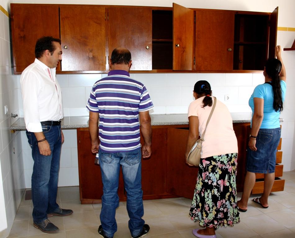 Família recebe casa em São Brás de Alportel
