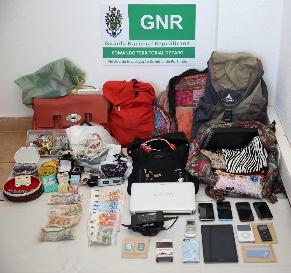 Material recuperado GNR furtos Alvor