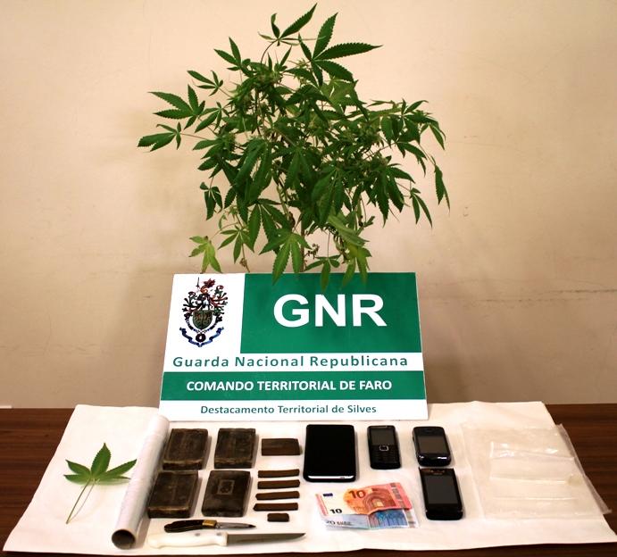 Jovem de 18 anos detido por tráfico de droga GNR Lagoa