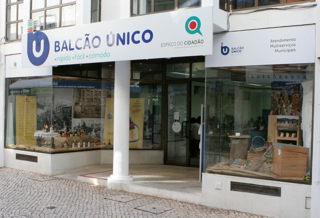 Montras Balcão Único