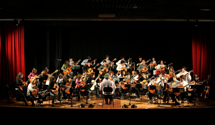 Orquestra-juvenil-de-guitarras-do-algarve