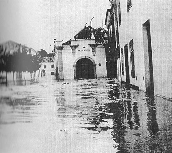 Cheias em Albufeira nas décadas de 40 e 50 do século XX