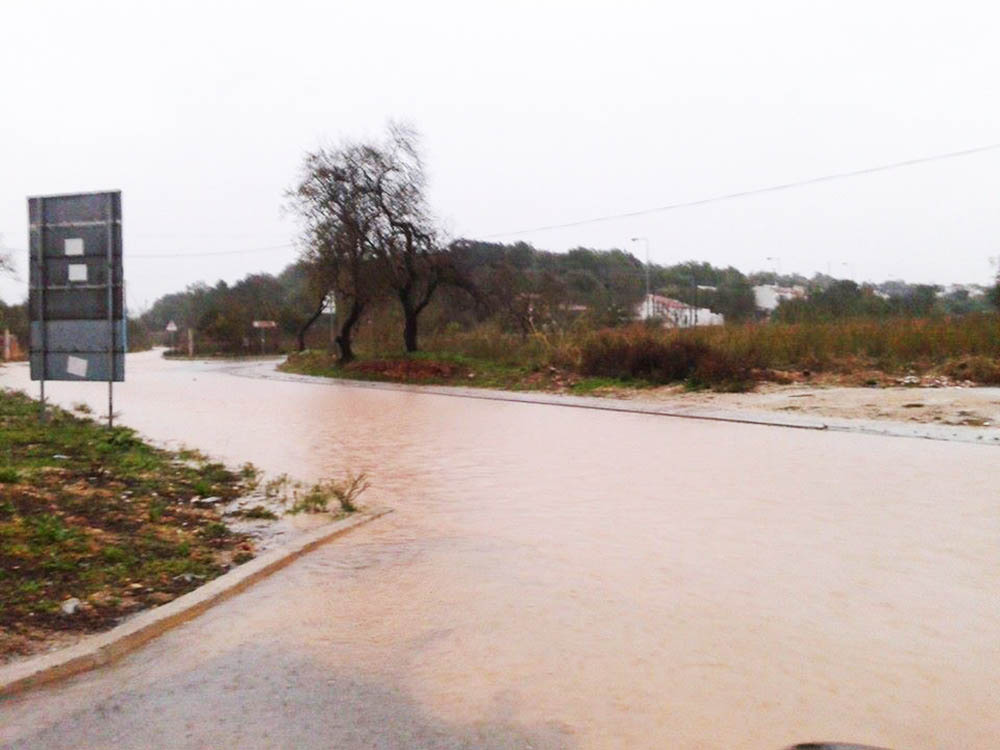 estrada inundada Ferragudo_1