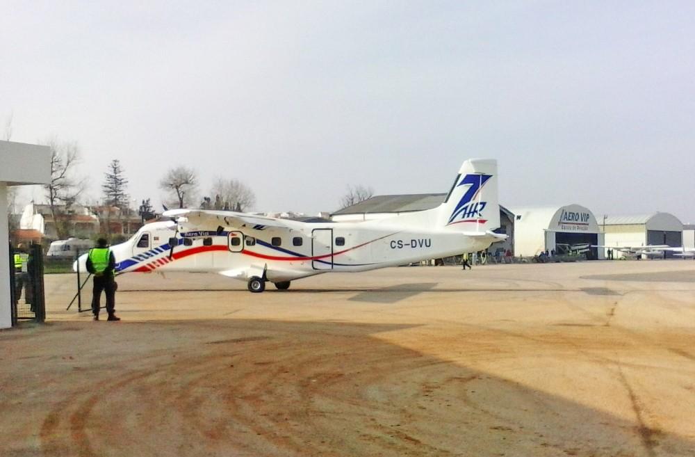 Aeroporto Viseu : Primeiro voo regular bragança portimão aterrou sem