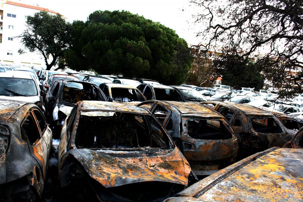 Incêndio no parque da rent a car LuzAuto Faro_2