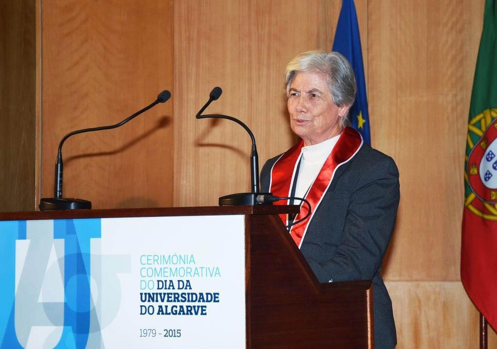 Manuela Silva a proferir a Oração de Sapiência