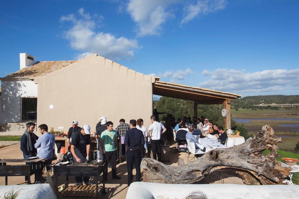 O espaço Modo, de Inês Barracha, perto de Portimão, acolheu o almoço mais informal - foto de Paulo Barata