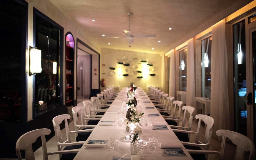 Vista Restaurante - a mesa preparada para o jantar Mar Adentro - foto de Paulo Barata