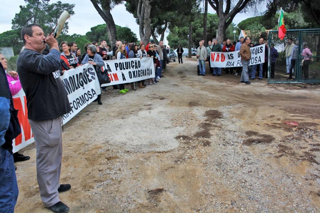 Protesto Ilhéus Reunião da Polis final 2015_12