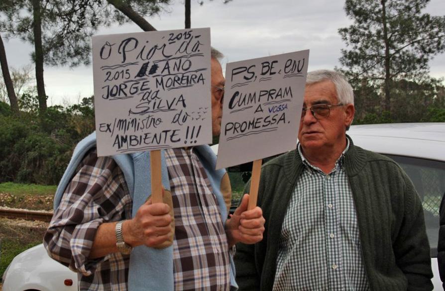 Protesto Ilhéus Reunião da Polis final 2015_7
