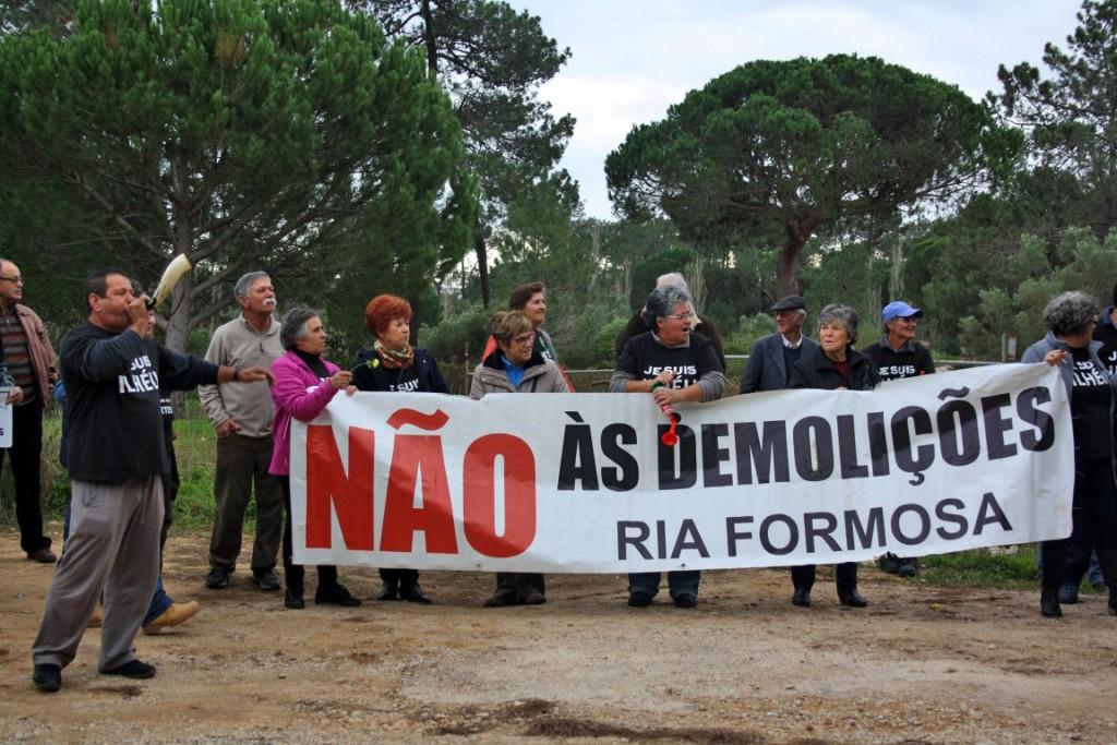 Protesto Ilhéus Reunião da Polis final 2015_8