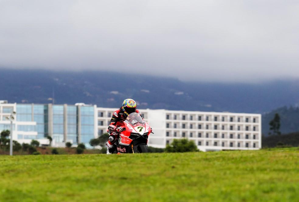 superbikes em testes no autotódromo