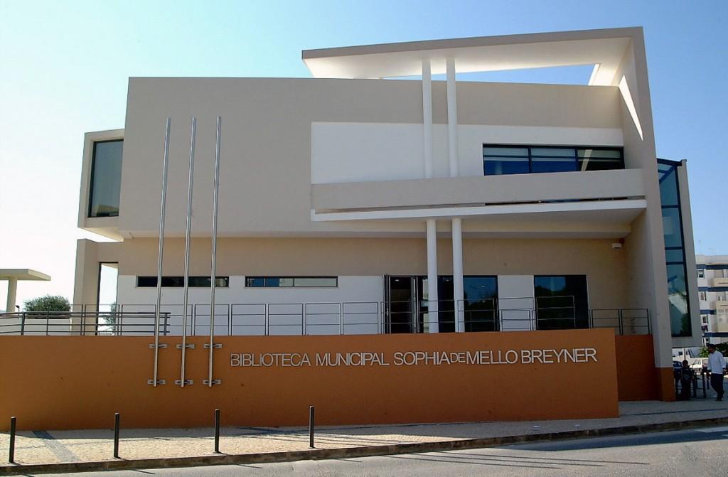 Biblioteca Municipal Sophia de Mello Breyner Andresen - C.M.Loulé - Mira