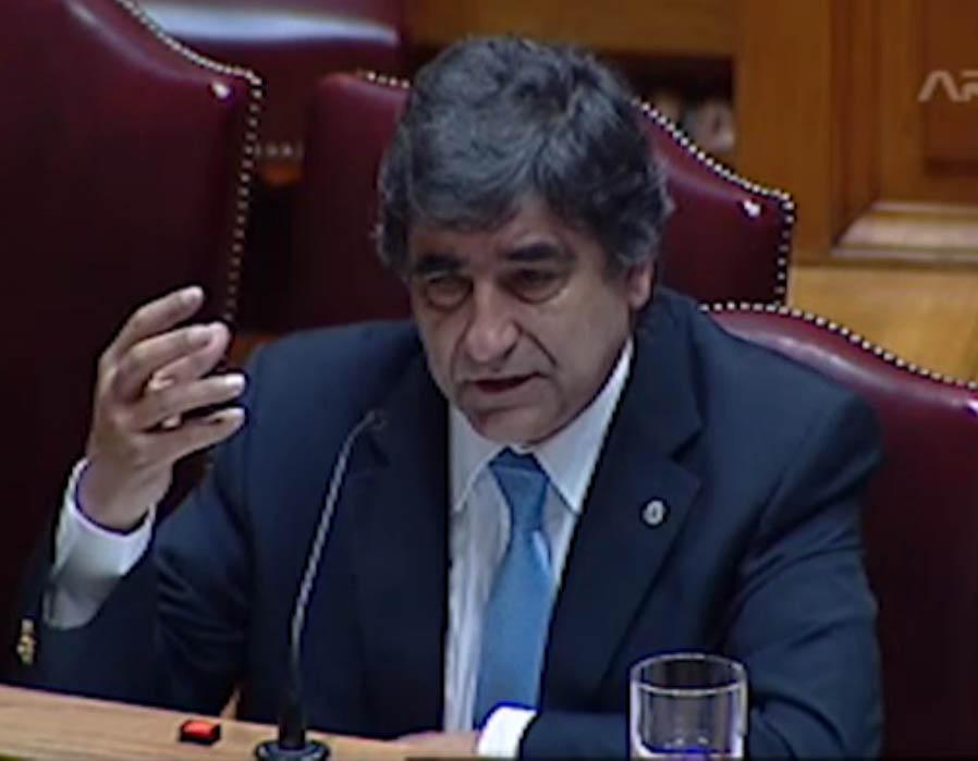 Secretário de Estado do Ambiente Carlos Martins durante a audição - foto: ARTV