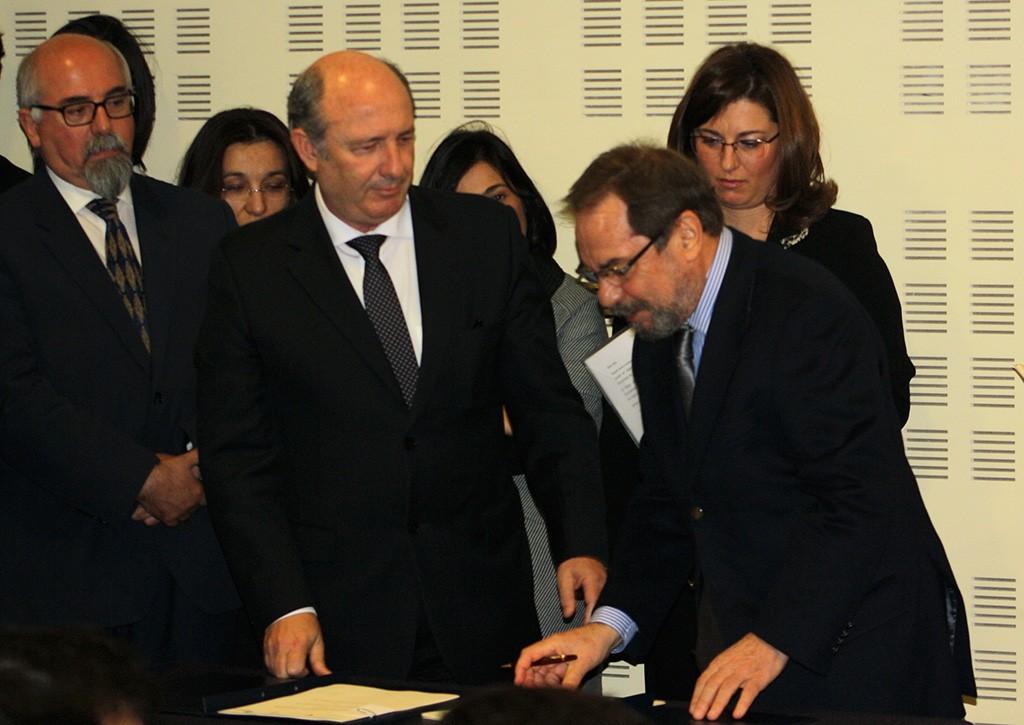 Joaquim Ramalho_CHA_e Carlos Martins_CHLN_assinam protocolo