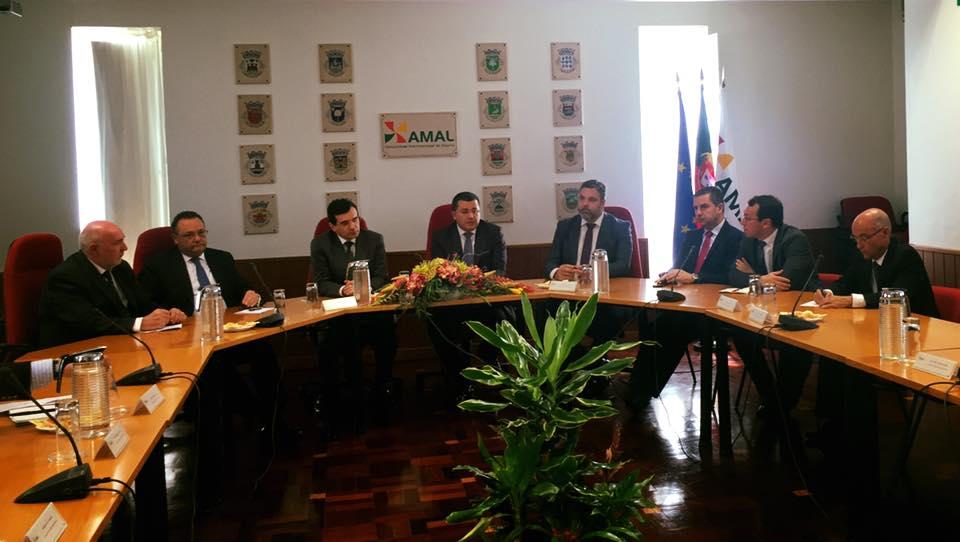 Reunião da AMAL com o ministro da Saúde - foto postada no Facebook por Rui André, vice-presidente da AMAL