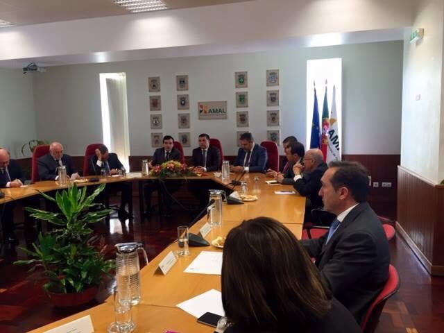 Reunião entre AMAL e ministro da Saúde - foto postada por Jorge Botelho, presidente da AMAL, no Facebook