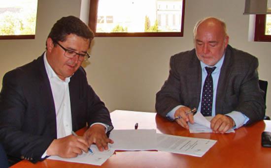 Assinatura do protocolo_ARSAlgarve e Câmara Alcoutim