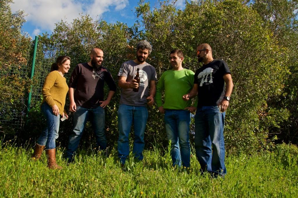 """Os criadores da """"nova"""" cerveja pré-histórica de Alcalar - Foto: Ricardo Soares"""