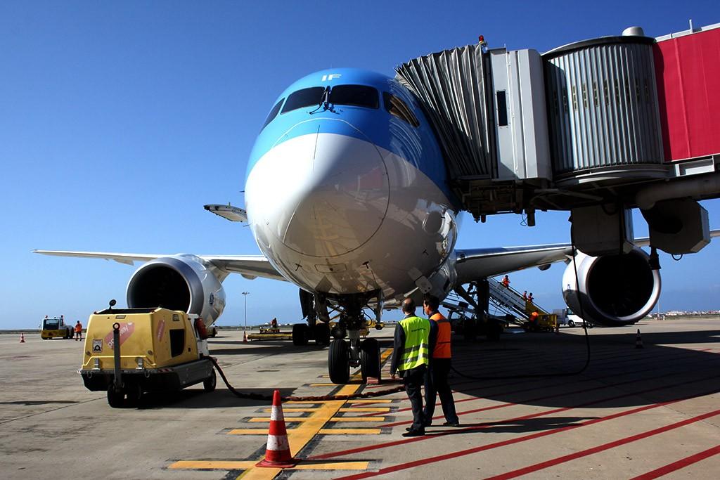 Boeing 787 Dreamliner aterra em Faro_16