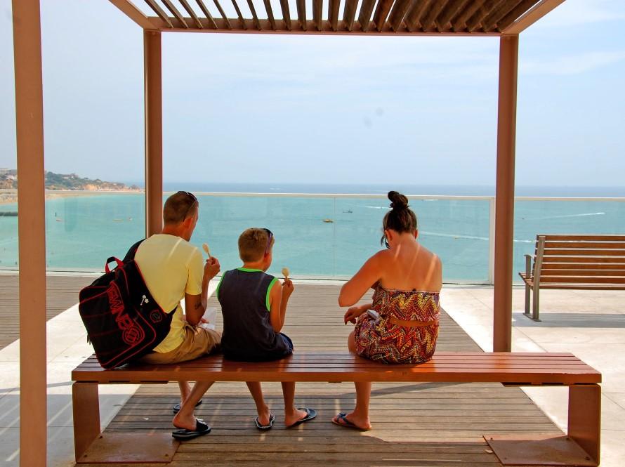 Turismo_Praias_turistas_02