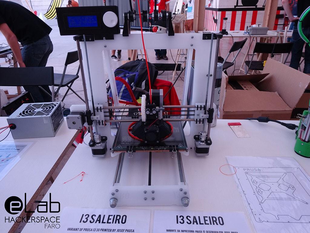 i3Saleiro - Impressora 3D melhorada a partir do modelo open source Prusa i3