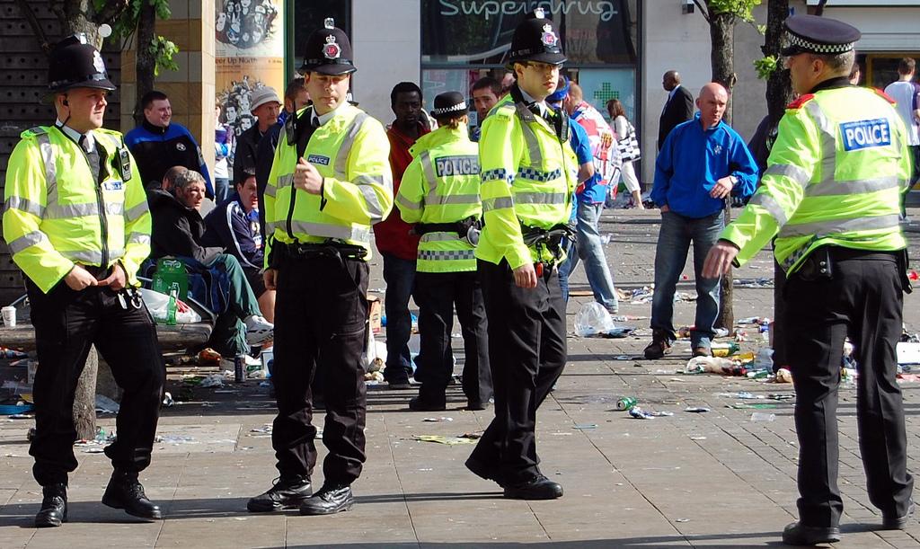 policia inglesa