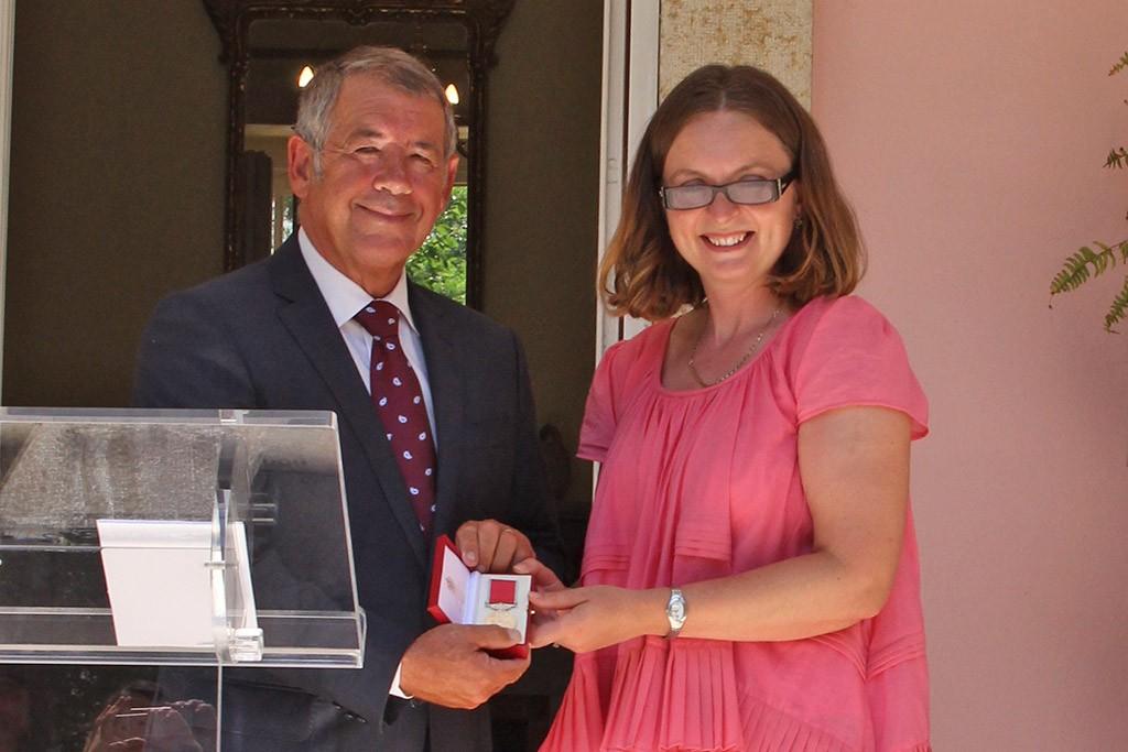 David Thomas a receber o British Empire Award