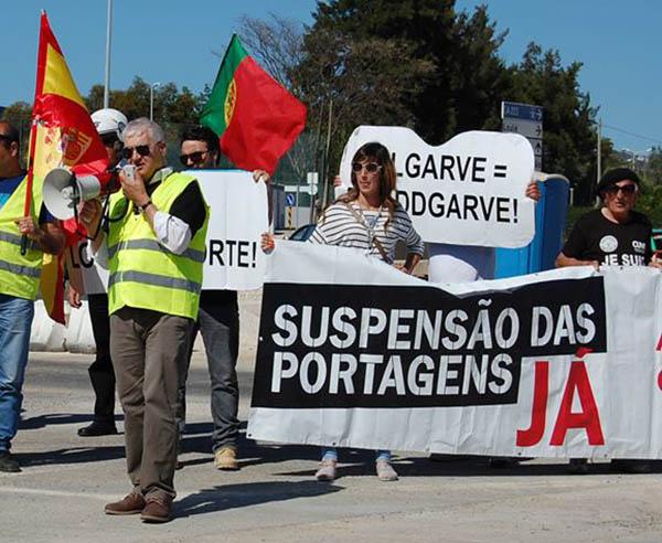 joão vasconcelos em protesto contra as portagens
