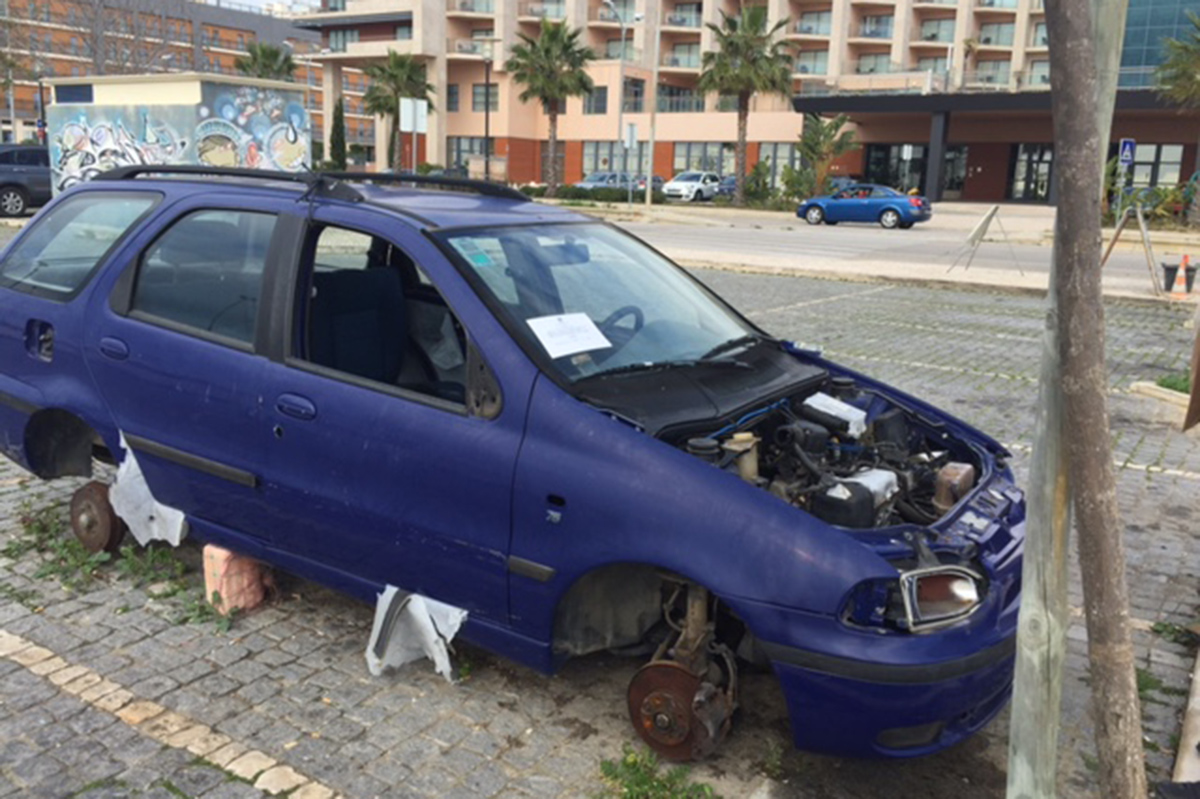 2016-214-carros-abandonados-02