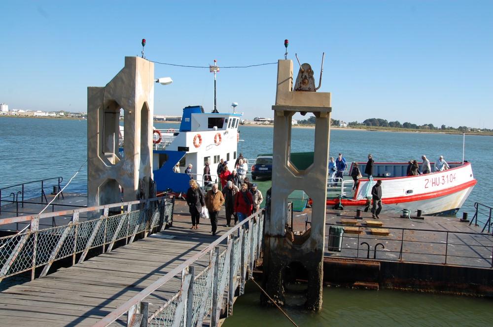 Ferry boat no cais do Guadiana em VRSA