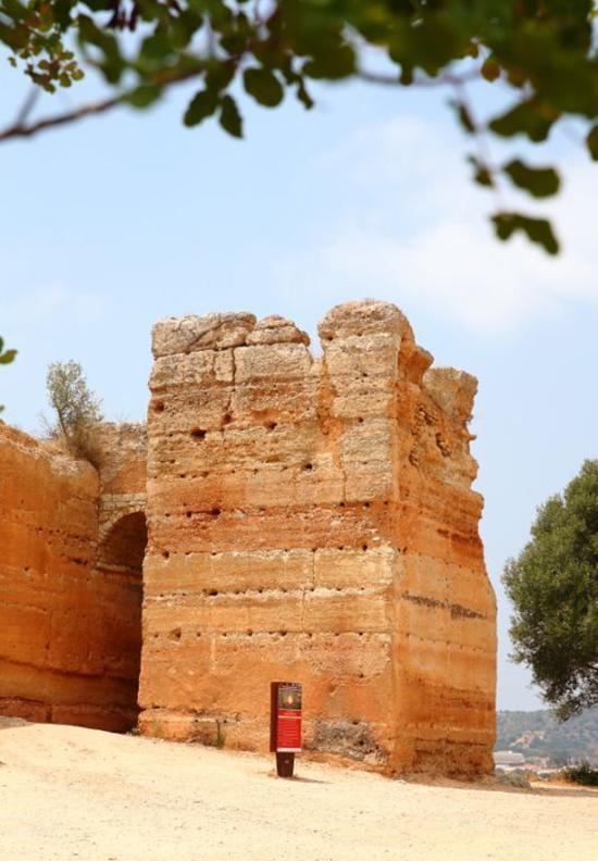 Torre albarrã do Castelo de Paderne (2)