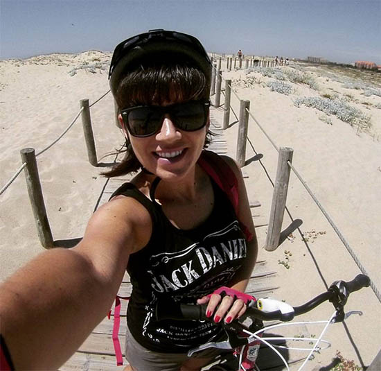 Naiara back de bicicleta