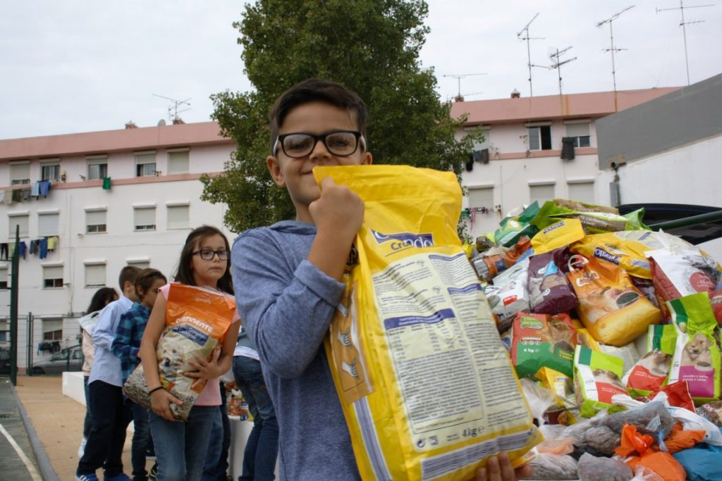 João da Rosa ofereceu 2 toneladas de comida à ADAPO_1